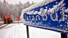 İstanbul'da kar yağışı başladı: Beyaza büründü. 5 Günlük hava tahminini okumadan program yapmayın