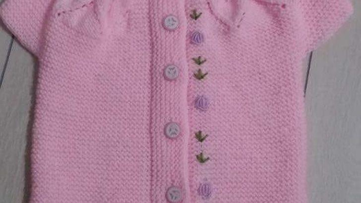 Yakadan Başlama Haraşo Olarak Örülen Ajurlu Yaprak Desenli Çiçek Süslemeli Çocuk Yeleği Tarifi. 1 .2 yaş
