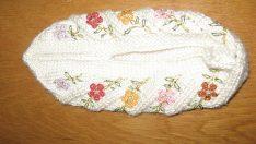 çiçek motifli bayan patiği örneği