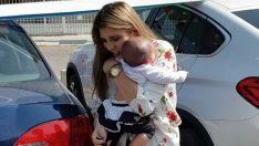 Sıcak Havada Bebeğini Arabada Bıraktı – Döndüğünde Bakın Nasıl Tepki Aldı