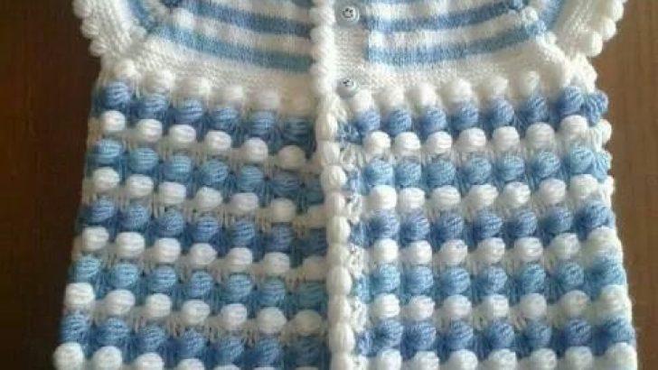 Mavi Beyaz Örgü Bebek Yelek Modeli